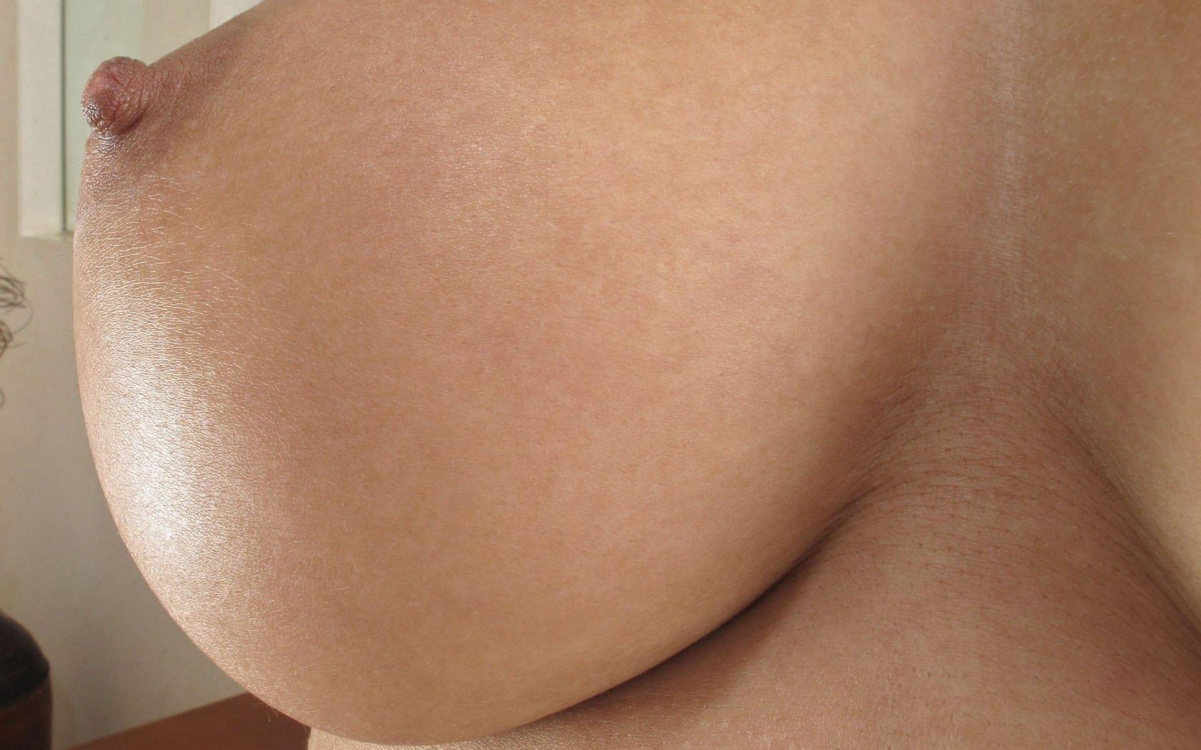 Фото сосков женской груди крупно 7 фотография