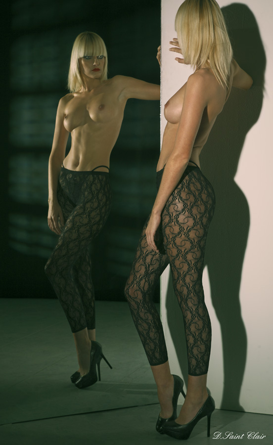 Sexy-Mirror-14