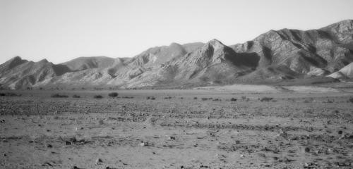 Flinders_-_over_Desert_plain