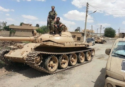 A-captured-Iraqi-T-55-tank-in-Syria-via-ISIL-social-media