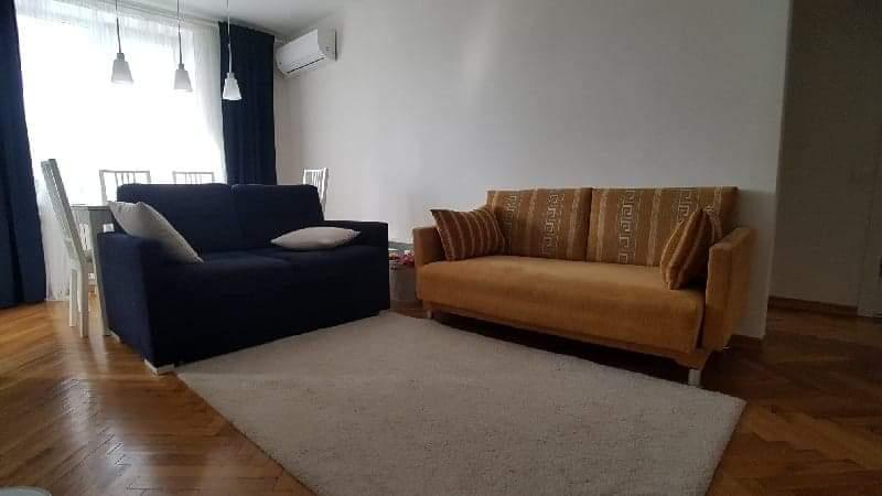 Выбрать цвет дивана.