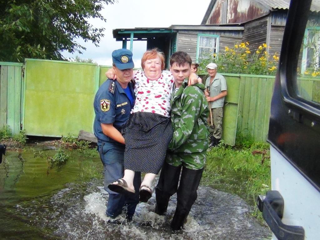 в Ленинском жители более охотно покидают ставшими опасными дома