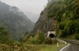 Mestia_road