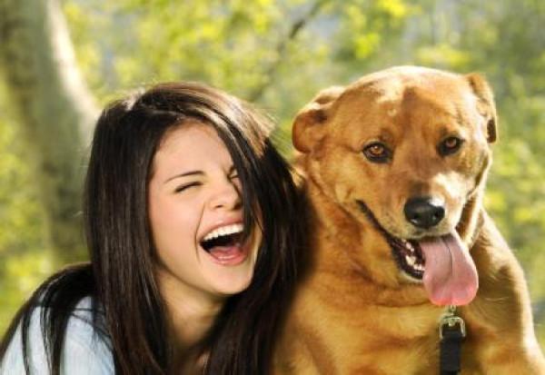 selena_gomez_and_dog_by_photos331-d52ioqy
