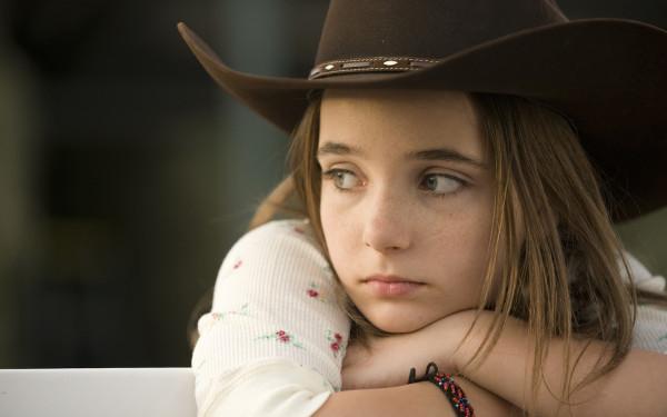 Sad-little-girl_1680x1050
