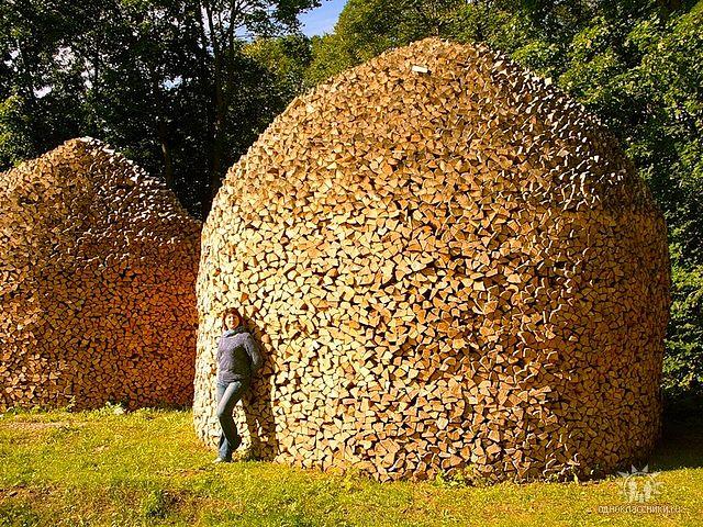 как хранить дрова в виде стога