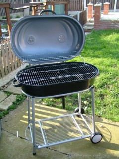 The assembled barbecue - open