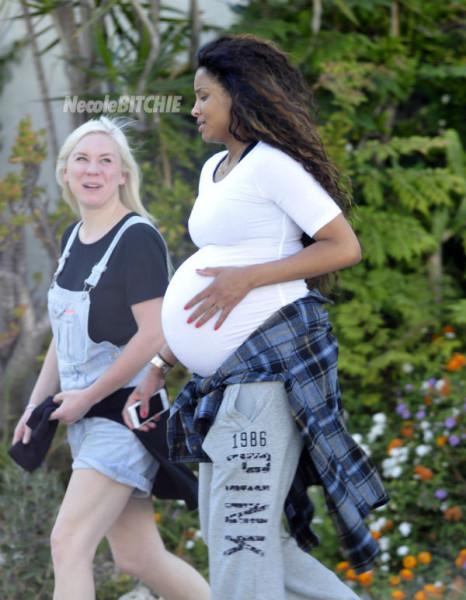 Pregnant-Ciara-Talks-A-Walk-In-Beverly-Hills-