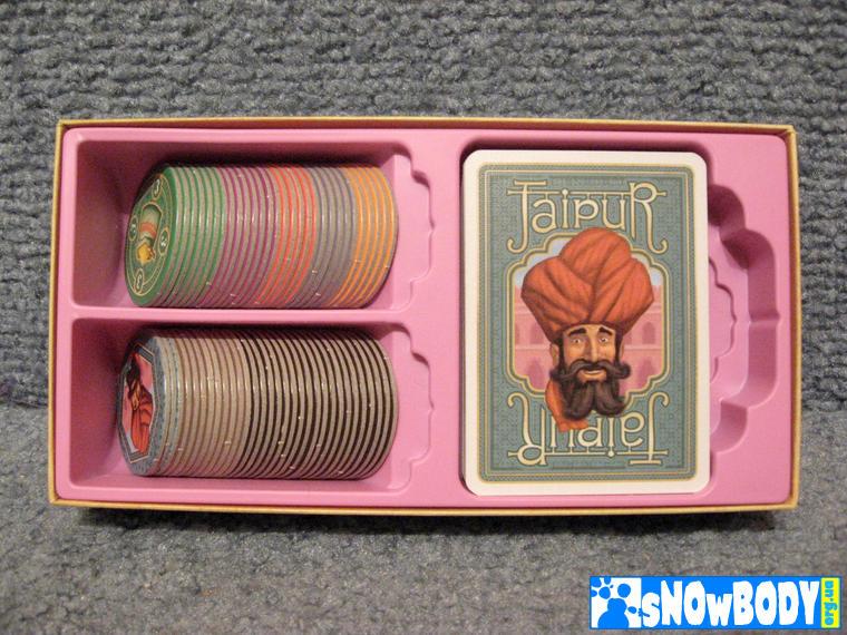 Настольная игра Джайпур (Jaipur) - Инлей с компонентами игры