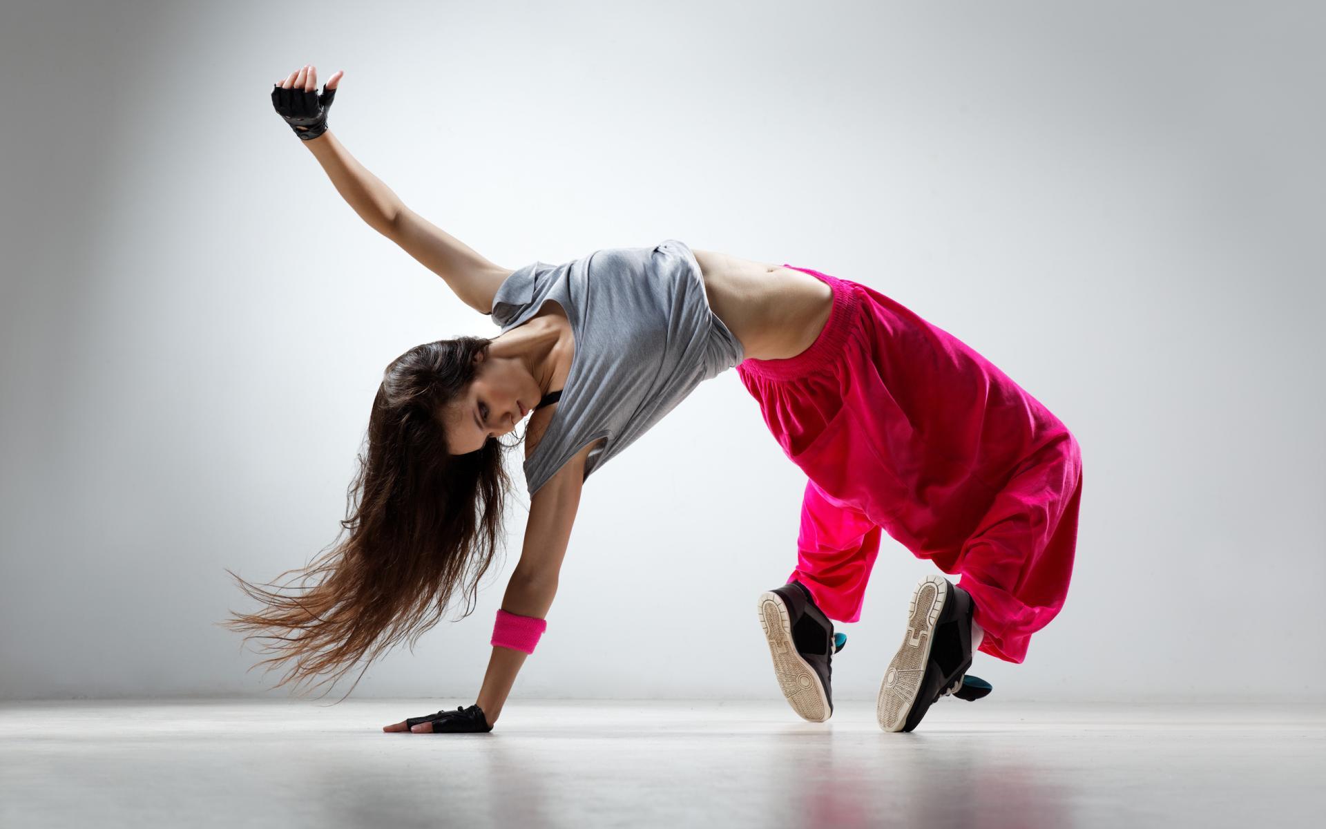 girl-hip-hop-dancer-model