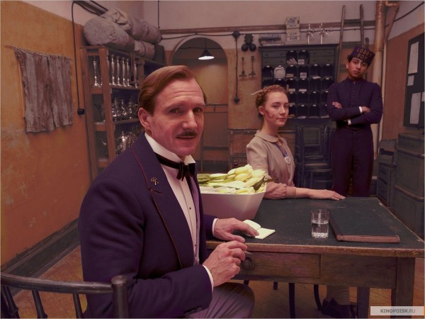 kinopoisk.ru-The-Grand-Budapest-Hotel-2326758
