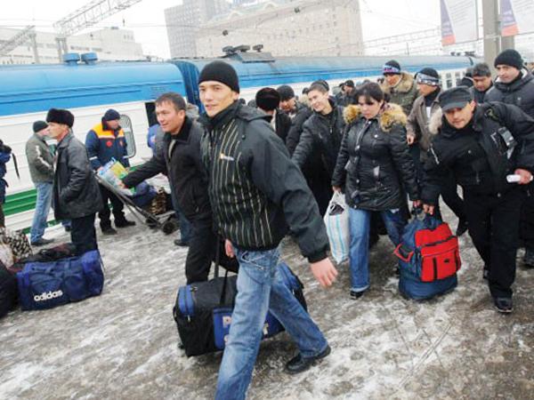 emigranti-gastarbaiteri-muncitori-moscova