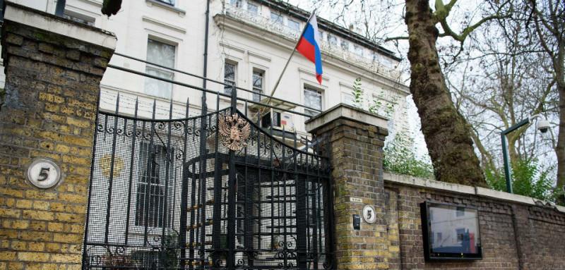 Лондон закрывает российское посольство в Великобритании
