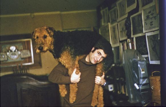 />  <figcaption>Vladimir Yankilevsky dog Mars. On the wall behind @-