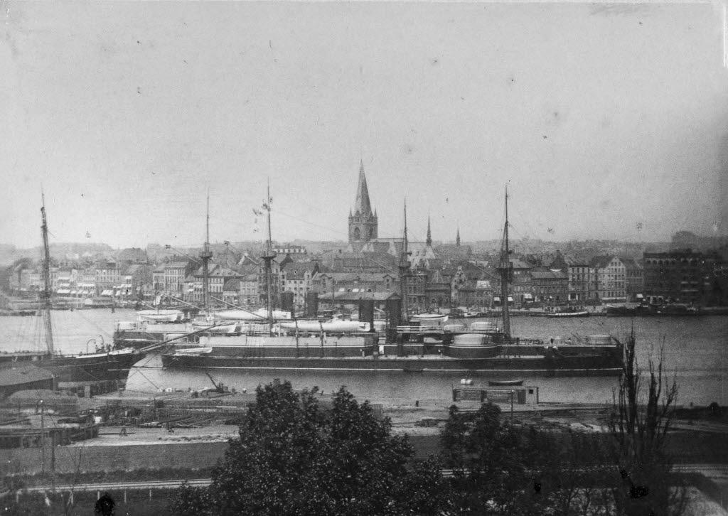 Panzerschiff_DINGYUAN_(chin.)_und_ZHENYUAN_(chin.)_(Kiel_80.681)