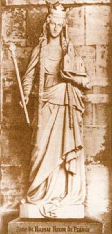 Statue_Anne_de_Russie_Reine_de_France_(Senlis)