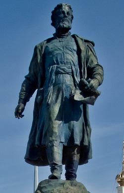 Afanasiy_Nikitin_Monument_in_Tver