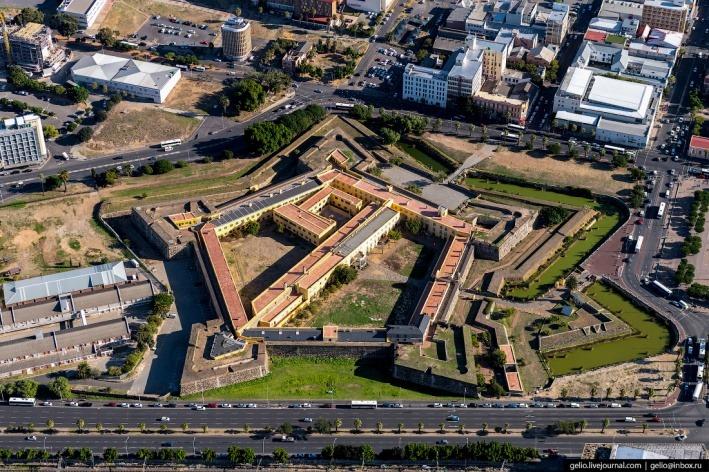 крепость Доброй Надежды в Кейптауне