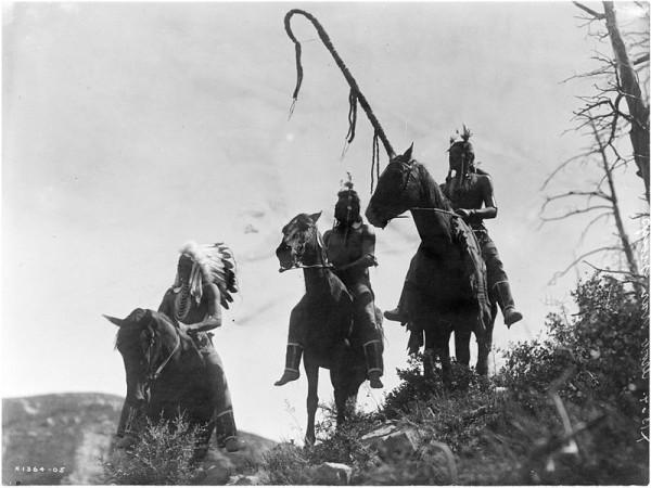 Three_Crow_horsemen-_Edward_S._Curtis