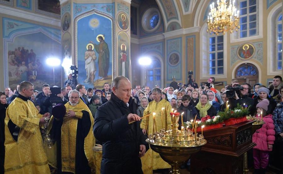 Владимир Путин поздравил Россию с Рождеством Христовым