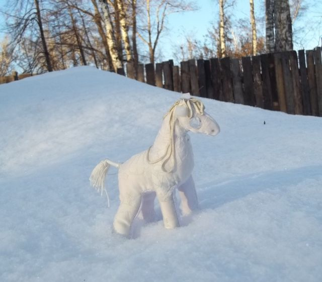 Снежная лошадь1.jpg