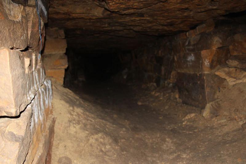 Картинки по запросу 4. Каменоломня «Володары» («Курья»)