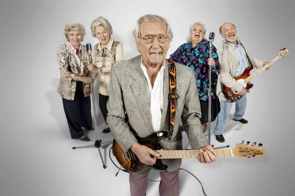 Дедуля с гитарой