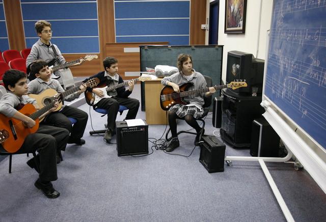 На уроках музыки