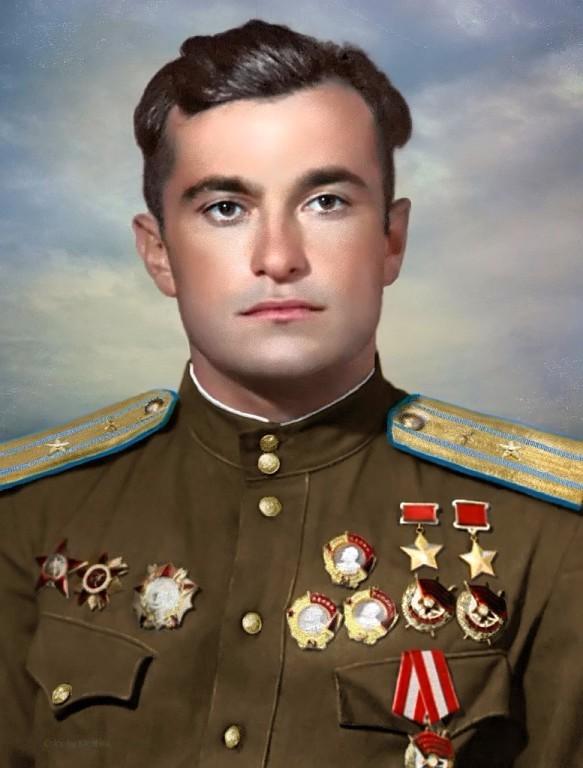 Дважды Герой Советского Союза Амет-Хан Султан.jpg