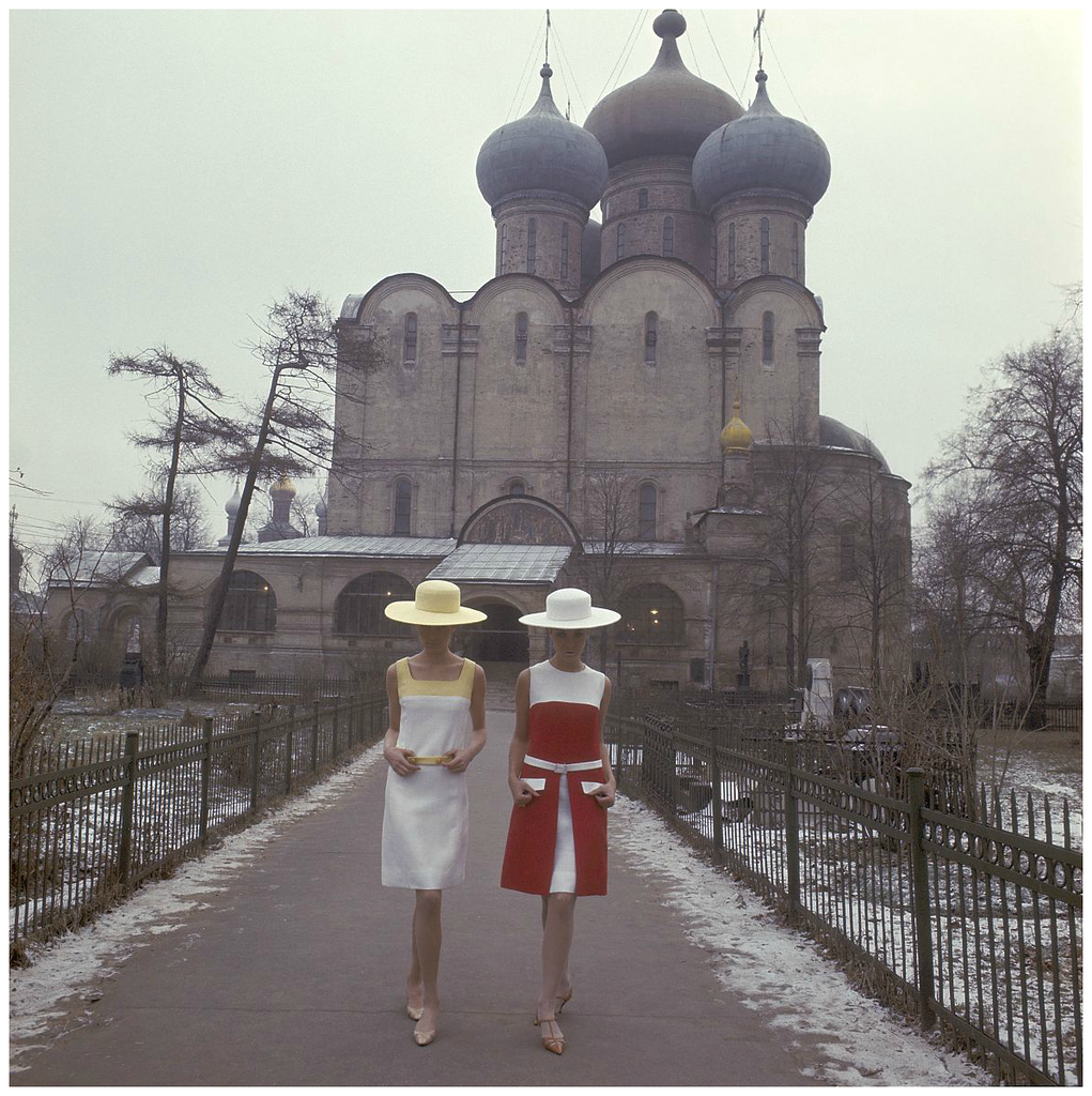 moscow-1965-fashion-shoot-for-avenue.png