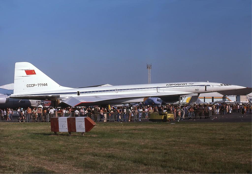 Aeroflot Tu-144 at the Paris Air Show in 1975.jpg