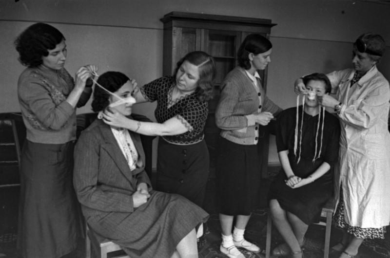 02 Всеобщая мобилизация. Курсы медсестер при Академии им.Фрунзе. Москва, июль 1941 г.jpg