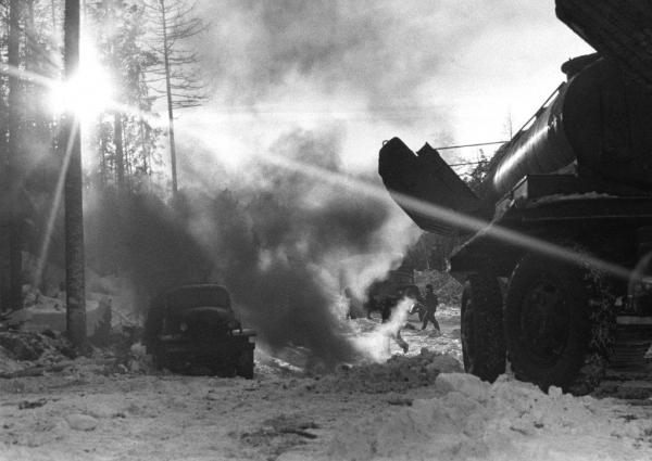На строительстве газопровода. Тюмень, 1968.jpg