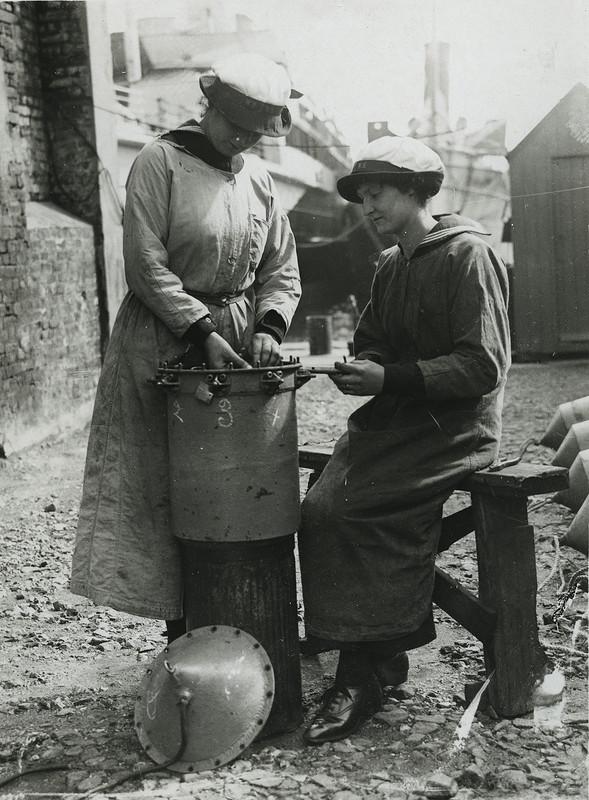 W.R.N.S. fitting a mine