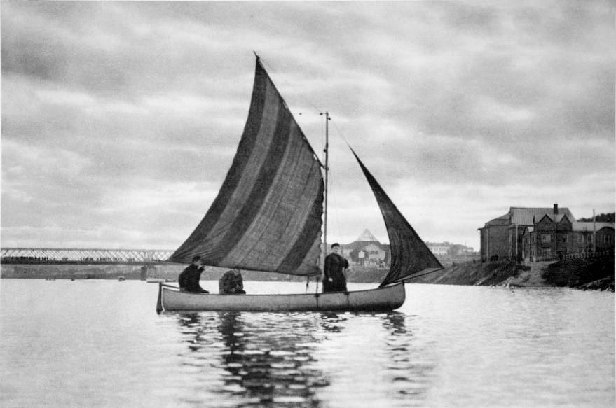 18268 Под парусом по Москве-реке 20-е Гринберг.jpg