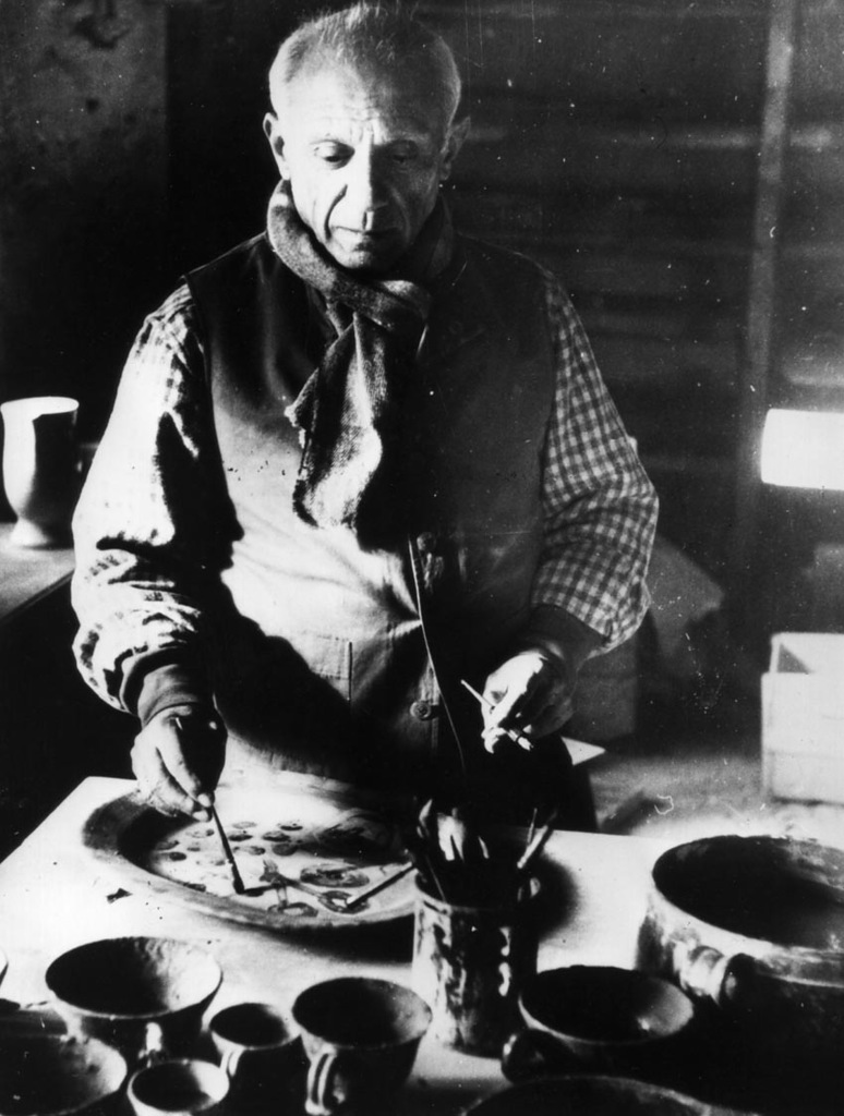 circa 1948:  Spanish artist Pablo Picasso, (1881 - 1973), at work in his Mougins pottery works, France.  (Photo by Keystone/Getty Images)