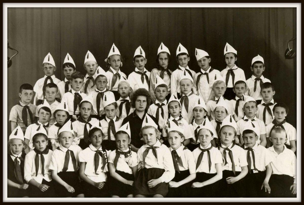 1965г. Пионеры 3А класса школы № 63