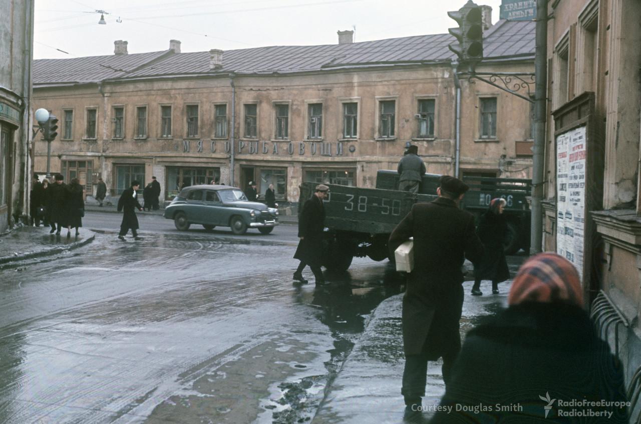 6-32 Вид из Калашного переулка на улицу Б. Никитскую.jpg