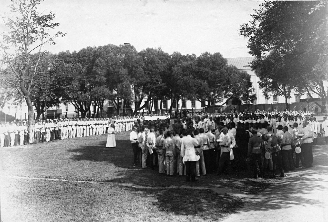 03. Молебен перед началом смотра. 1 августа 1912