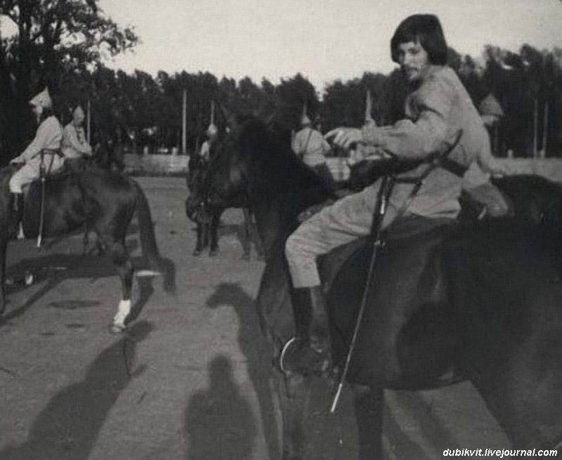 Владимир Конкин, ещё не Шарапов, а Павка Корчагин. Фестиваль 'Белые ночи' 1974год..jpg