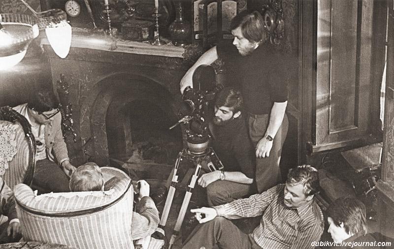 И. Масленников и др. в квартире Холмса, 1980.jpg