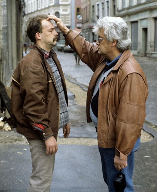 Аллан Чумак исцелял людей прямо на улице, 1991 год. Фото Александра Макарова РИА Новости.jpg