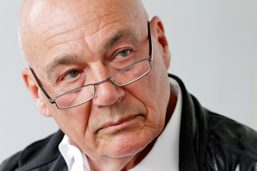 Vladimir_Pozner_by_Augustas_Didzgalvis