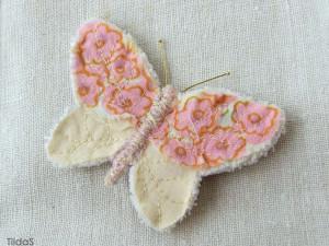 брошка бабочка шелковая розовая 04