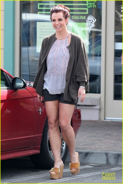 britney-spears-david-lucado-freebirds-lunch-before-vegas-show-03