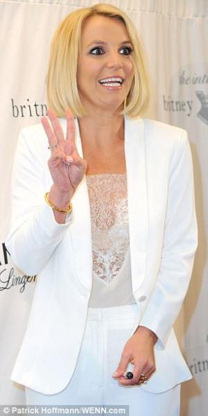 1411646099537_wps_11_Britney_Spears_promoting_