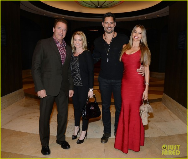 sofia-vergara-joe-managaniello-new-years-eve-vegas-14