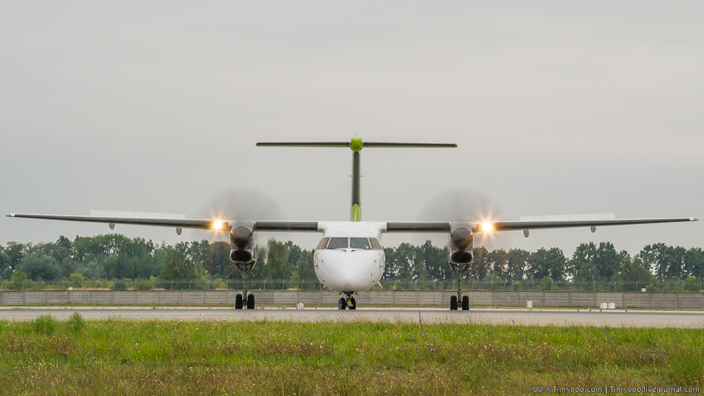 Bombardier DHC-8 400
