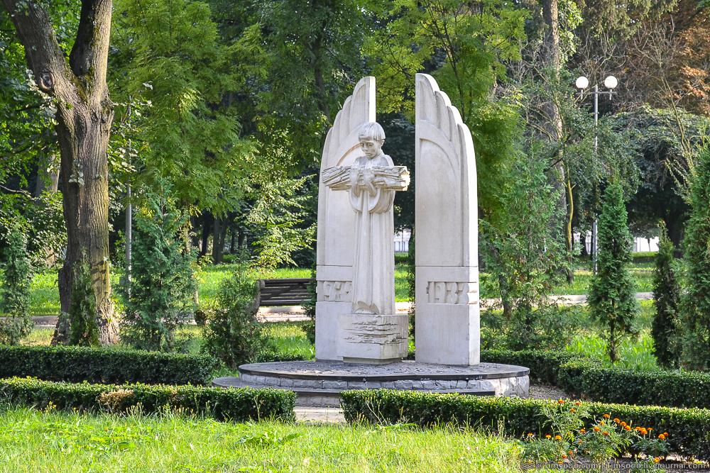 Мемориал Голодомора в Виннице