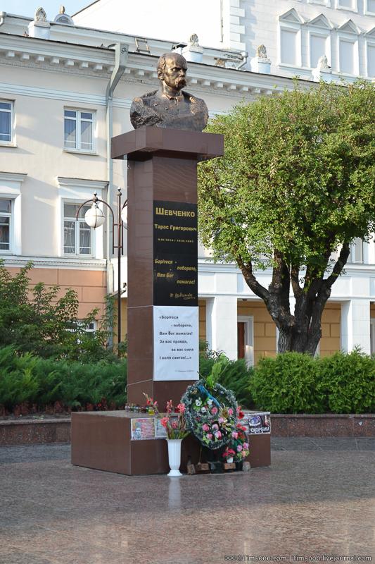 Памятник Тарасу Шевченко в Виннице